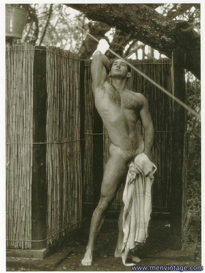 hunk showering