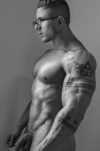 Bodybuilder with huge dick