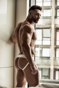 Charming muscle hunk smooth ass