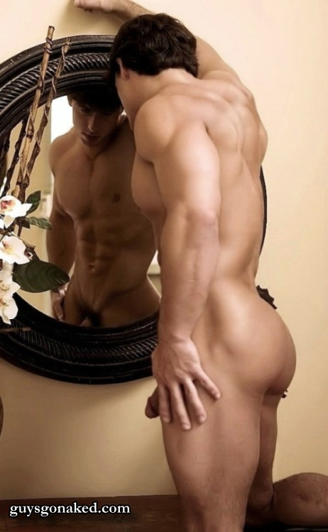 Charming muscle man nude erotica