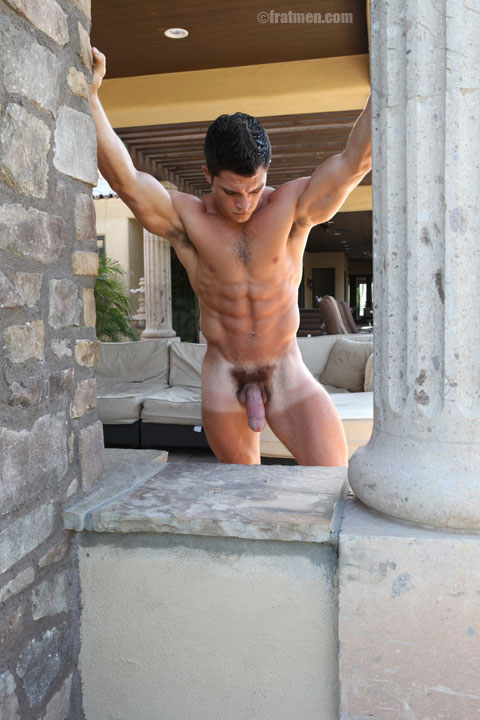 muscle guy naked